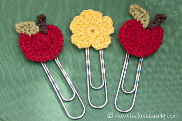 Crochet Blogs : Crochet Apple Bookmark1 blog