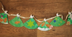 christmas tree garland (1)